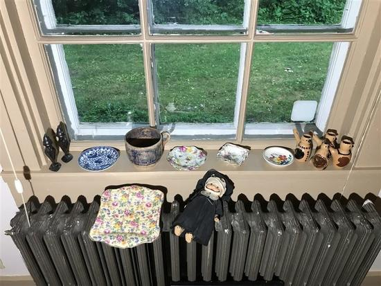 Group Lot of Vintage & Antique Items