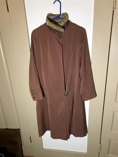 Antique Women's Jacket w/Fur Collar