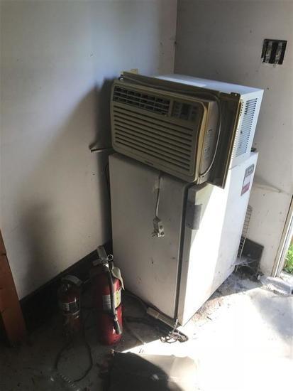 2 extinguishers, AC Unit and Fridge Lot
