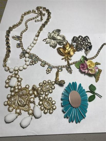 Group Lot Better Vintage Costume Jewelry Lot
