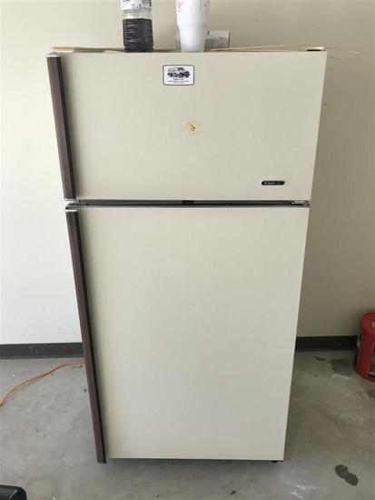 Vintage Frigidaire Refrigerator Freezer Combo