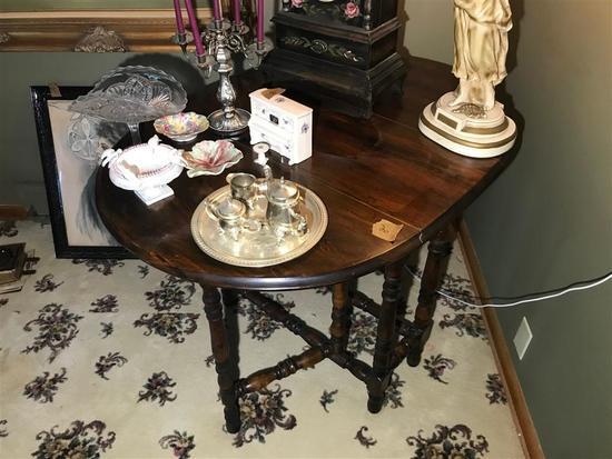 Smaller Antique Gate Leg Lamp Table Nice