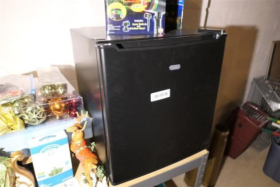 Dorm Type Mini Refrigerator - Looks new