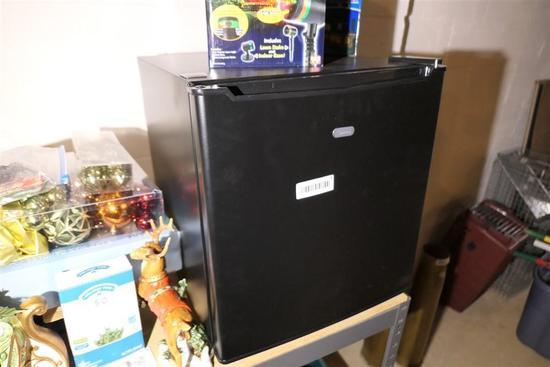 Dorm Type Mini Refrigerator - Looks new