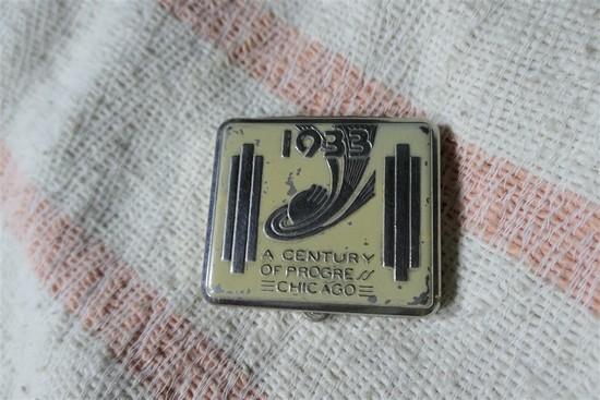 1933 Century of Progress World's Fair compact