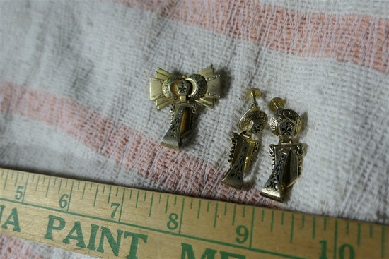Antique gold filled pin, earrings set.