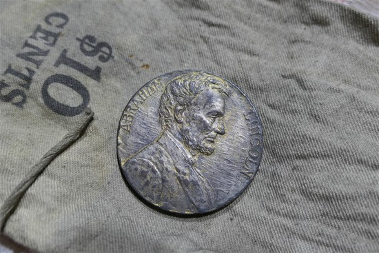 Unusual Antique Abraham Lincoln 1909 Medal