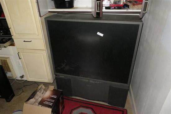 Large Screen Rear Projection Television - Works