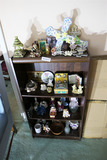 Shelf and collectible contents lot