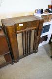 Vintage Philco Tube Radio in Wooden Cabinet