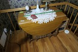 Vintage gate leg table with 3 leaves