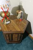 Stoneware, flashlight, plus cabinet