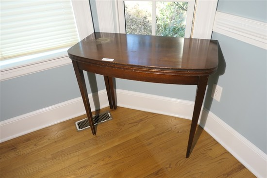 Vintage Gate Leg Card Table flip top