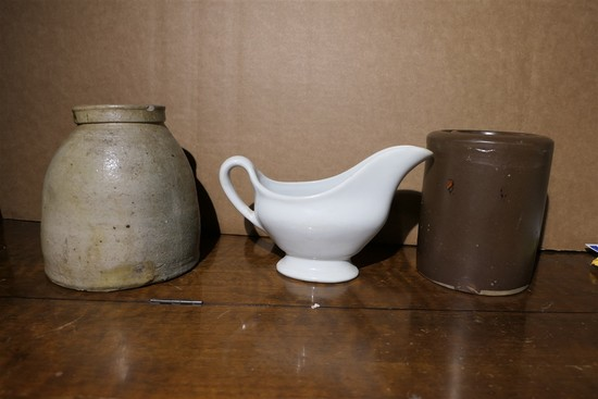 Stoneware, creamer lot
