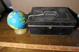 Ohio Art Globe, Metal Box