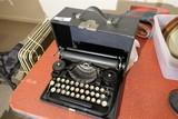 Antique Underwood Typewriter - Nice
