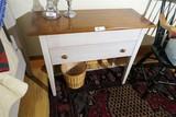 Nice Lane furniture small table w/Drawer
