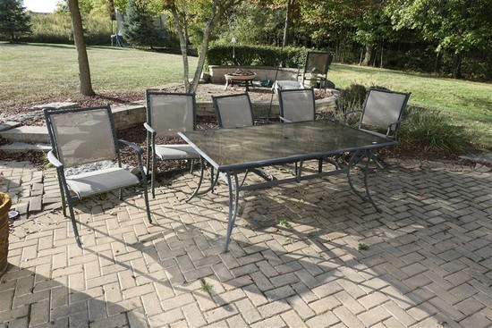 Glass patio table w/6 chairs