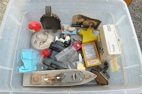 Box of vintage items, advertising etc