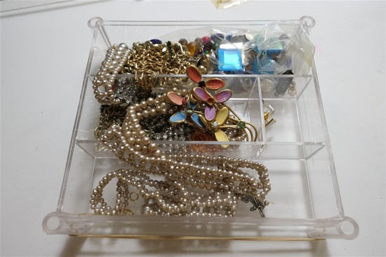 Box of assorted beads, jewelry pieces