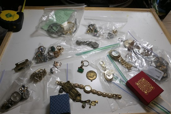 Vintage watches, bags of rings, costume jewelry lot