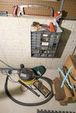 Vacuum cleaner, saw, wall sorter, contents