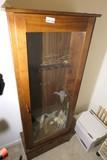 Wood and glass gun cabinet w/key
