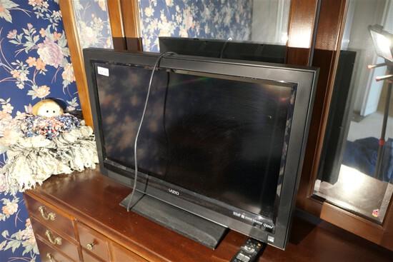 Vizio Flat Screen TV with remote