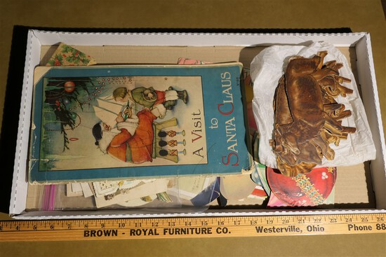 Box lot lithographed paper inc. zoo animals, Christmas