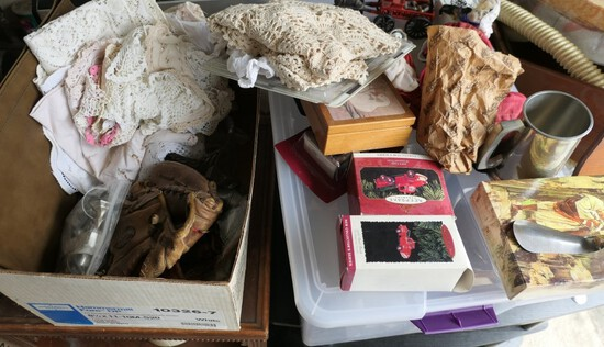 Group lot of assorted vintage and antique items