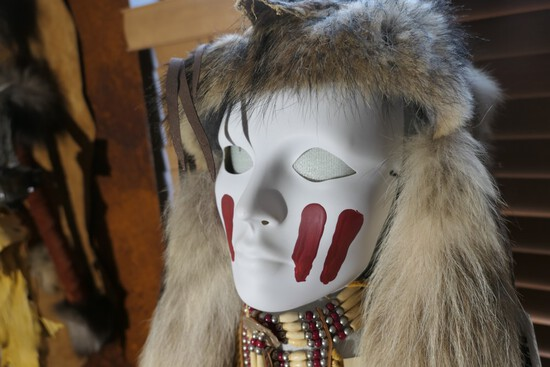500+ Lots Macabre Native American Furniture Tools