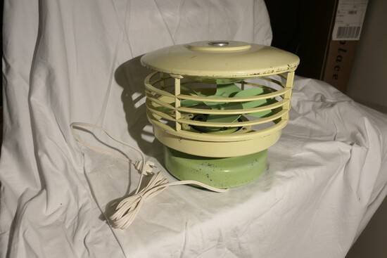 Retro Mid Century Table Fan KISCO Airspray Circulair