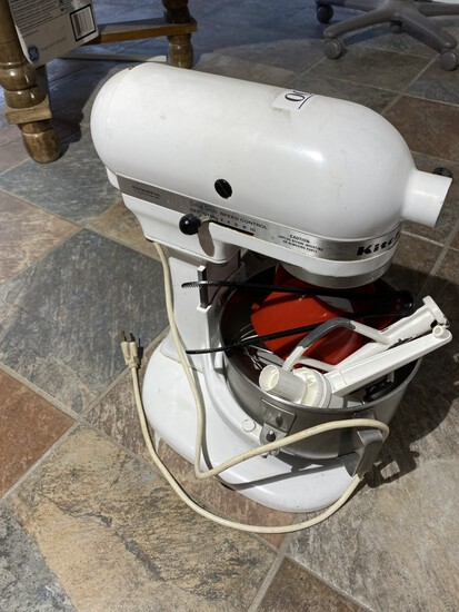 Kitchenaid Heavy Duty Mixer + Accessories
