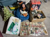 Group lot of assorted vintage holiday items