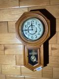Vintage wind-up regulator clock w/oak case