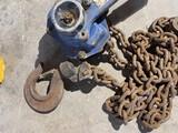 Older Shop Chain Hoist Unit