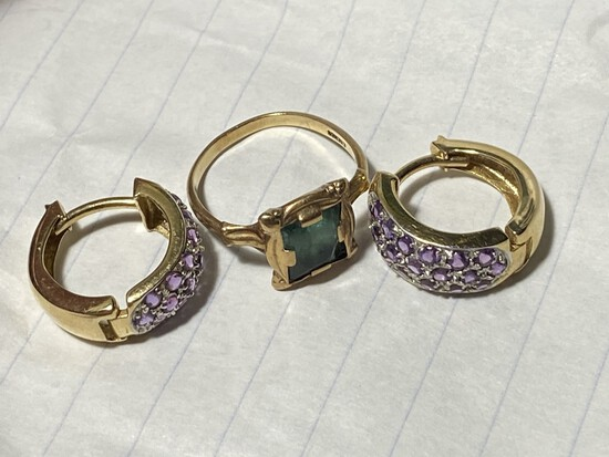 10k gold earrings and ring - 5.24 grams