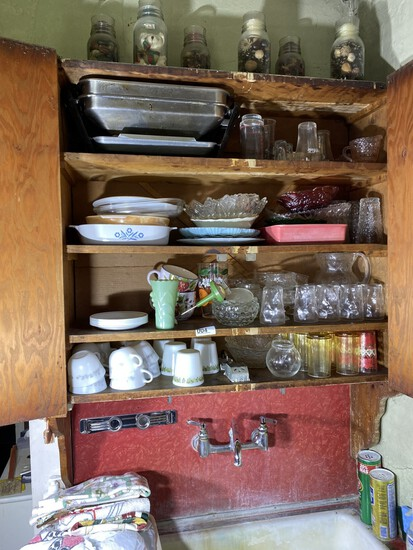 Huge lot top and bottom of cupboards
