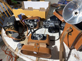 Group lot of assorted vintage cameras