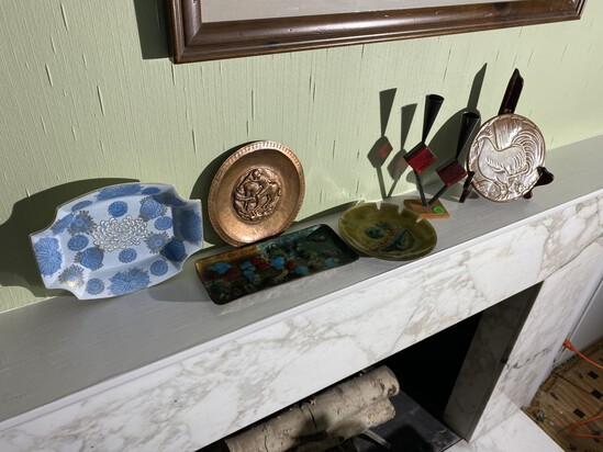 Shelf lot of Mid Century Modern Items