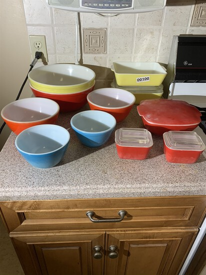 11 pieces of Pyrex