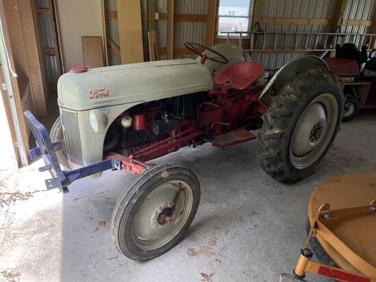 Nice vintage Ford 8N Tractor