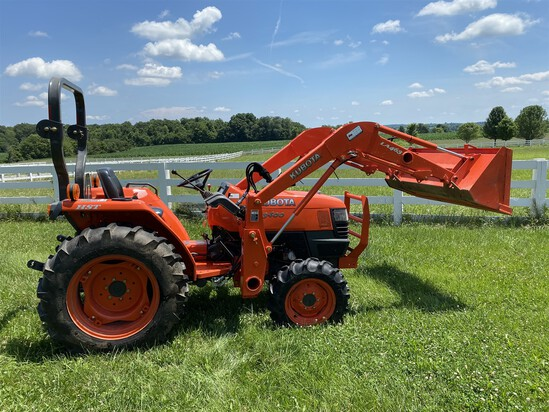 Kubota L3400 HST 4WD Tractor w/ 92 hours