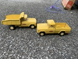 2 vintage toy Tonka Trucks