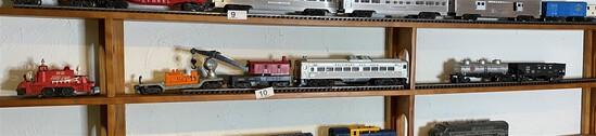 Vintage Lionel Model Railroad Engine, Cars lot