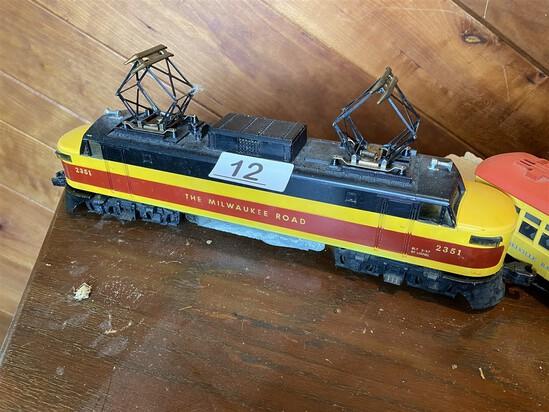 Lionel Milwaukee Road Model Railroad Engine PLUS
