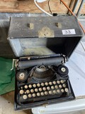 Antique small Underwood Typewriter in case