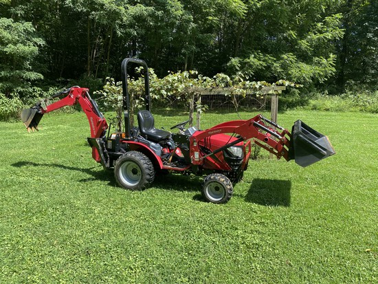 Mahindra 4wd Max 25S HST Tractor w/ loader, scoop, brush hog