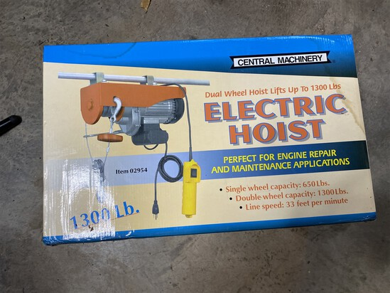 Central Machinery 1300 lb electric hoist in box