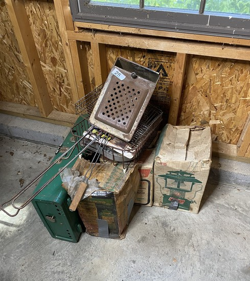 Group lot of assorted vintage camping lanterns etc